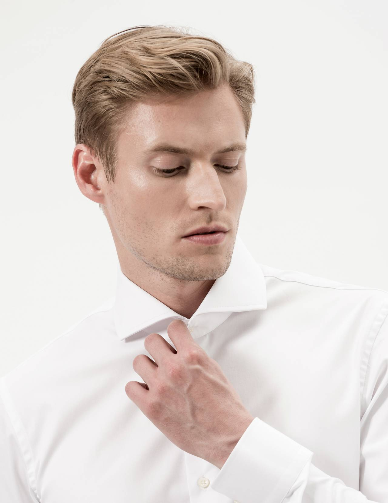 chemise-homme-ajustee-italien-ouvert-blanc-uni-figaret-detail-an6898210054.jpg